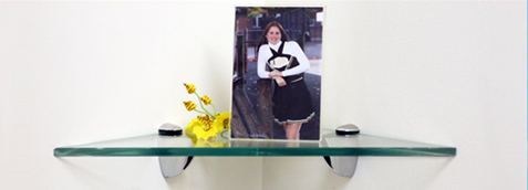 Robin Corner Glass Shelf